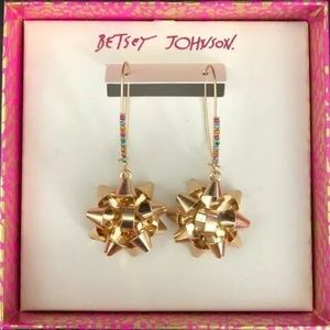 NIB Betsy Johnson Christmas Bow Earrings